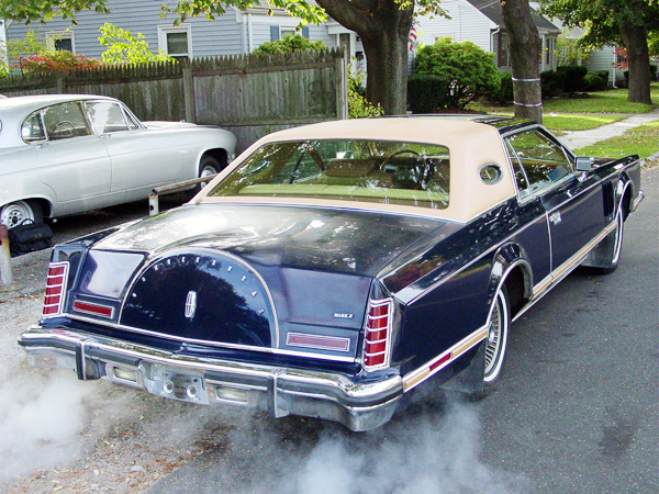 1977 Continental Mark V Bill Blass equipped w/ dual exhaust system