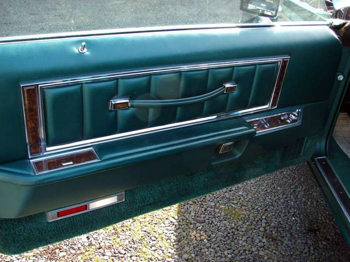 1977 Continental Mark V Givenchy door panel w/standard leather sew style