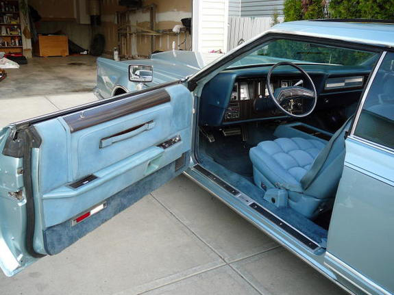1978 Continental Mark V Diamond Jubilee Edition door panel in Wedgewood Blue