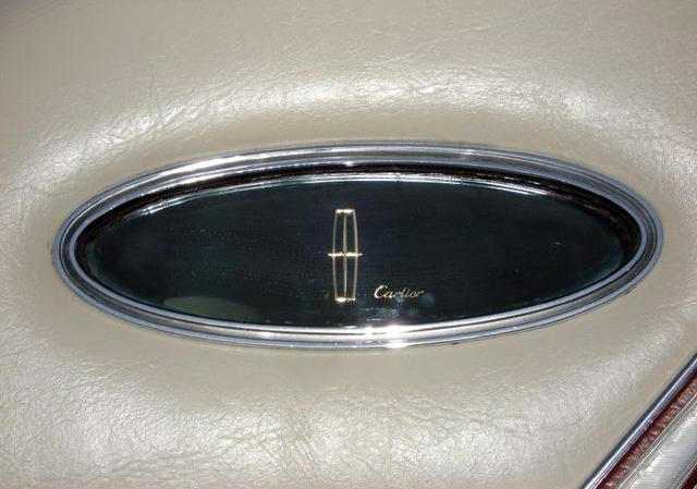 1979 Continental Mark V Cartier signature in opera windows