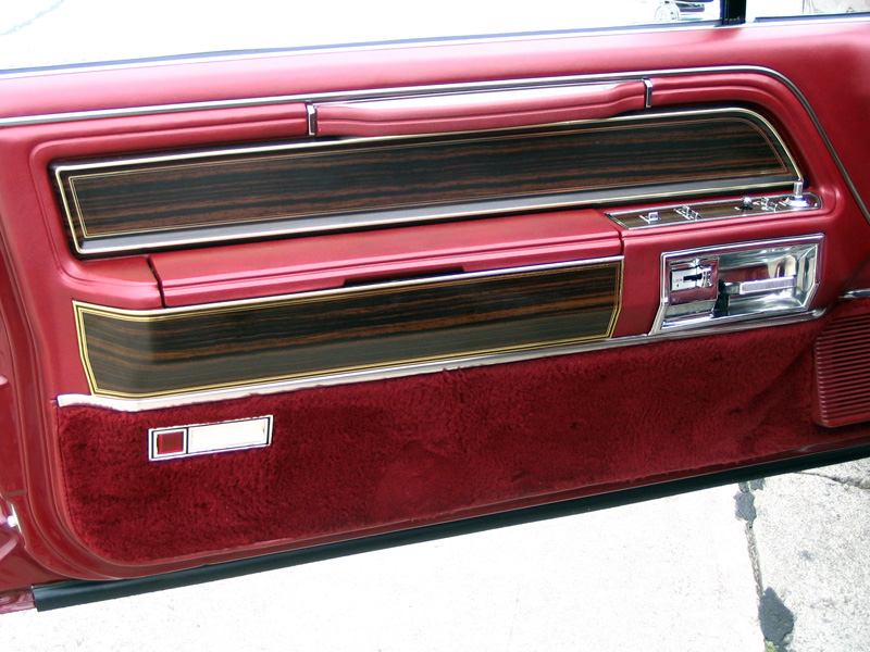 1980 Continental Mark VI Signature Series door panel w/illuminated stowage bins in armrest