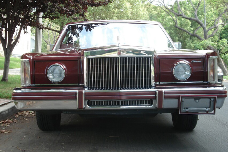 1980 Continental Mark VI Signature Series Coupe w/Touring Lamps